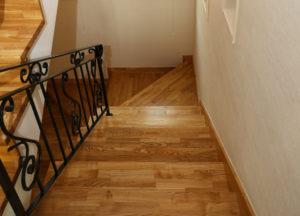 Traprenovatie met hout - Vloerendirect
